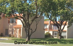 Valencia Village townhomes in Davie Florida